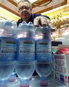 На Сардинии установили мусорный контейнер, «покупающий» пластиковые бутылки