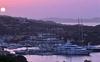 На Сардинии русских туристов оштрафовали за шумные празднования на яхте