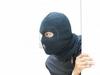 В Италии грабитель со стыда сбежал с места преступления, ударившись о стеклянную