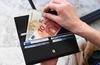 Базовый доход: последнее предложение - 300 евро в месяц для 4 миллионов итальянц