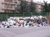 В Неаполе продолжает оставаться напряженной ситуация с отходами