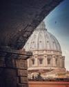 """В Риме одиноким туристкам предлагают взять """"парня напрокат"""" для совместных фото"""