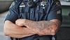 В Сорренто полицейским запретили иметь татуировки