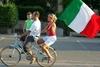 В Италии уровняли права детей, рожденных в браке и вне его
