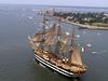 Америго Веспуччи, самое красивое учебное парусное судно в мире, прибыло на регат