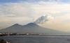 Бертолазо предупреждает, что и Италии находится в зоне вулканического риска и ос