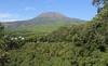 Волонтеры почистили вулкан Везувий