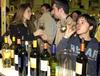 Мужчины и женщины Италии пьют вино по-разному