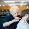 """Газета """"New York Times"""" рассказала о самом пожилом парикмахере мира"""