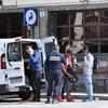 Французская полиция высаживает нелегалов у границы с Италией