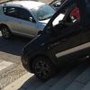 Итальянец, чтобы избежать пробок, спустился на своем авто по лестнице в самом це