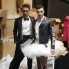 Высокая мода: Moschino на римском показе одел мужчин в белые пачки