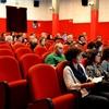 """Как """"подвешенный кофе"""": в Милане любители кино покупают """"подвешенные билеты"""" на"""