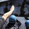 Аппелляционный суд Милана: в некоторых случаях фашистское приветствие не являетс