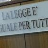 В Римини под суд попала мать, оставившая 4-летнюю дочь на холоде на балконе в ка