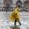 """В Венецию вернулась """"высокая вода"""""""