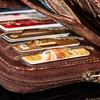В Монца женщина нашла кошелек с 35 тысячами евро внутри и отдала его на кассу су
