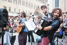 """Международный фестиваль уличных музыкантов """"Ferrara Buskers"""" празднует 30-летний"""