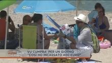Итальянский журналист, переодевшись нелегальным продавцом подделок на пляже, выя