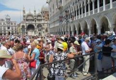 В Венеции установят экспериментальное оборудованиe для подсчета туристов
