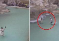 Переодевшись древнеримским сенатором, итальянец прыгнул в фонтан Треви, требуя в