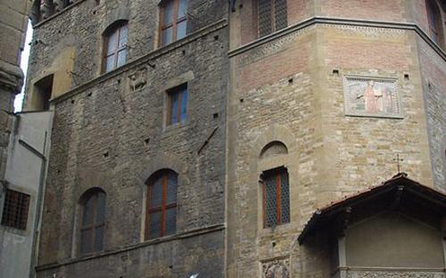 450px-palazzo_dellarte_della_lana_06.jpg