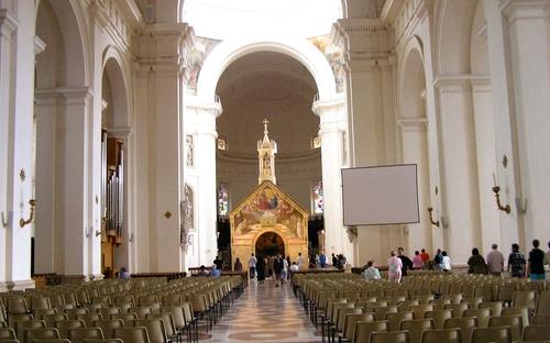 assisi_basilica_santa-maria-degli-angeli_interior.jpg