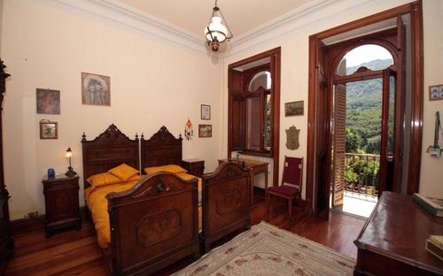 14_double_room_bed_3_1_floor.jpg
