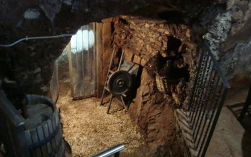35-ingresso_grotta.jpg