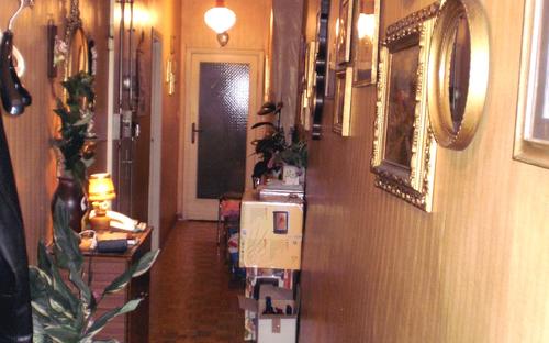entrance006.jpg