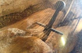 Меч в камне: легендарное оружие Короля Артура находится в Тоскане?