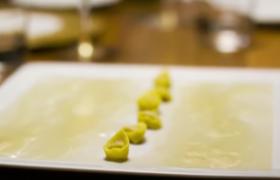 Готовим, как лучший шеф-повар Италии: тортеллини в крем-соусе из пармезана от Ма