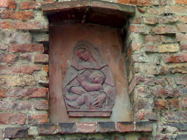 Средневековая мадонна