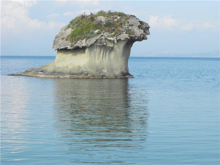 Il fungo (Или скала-гриб из Лакко Амено, Искья)