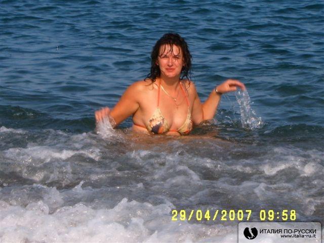 В пене морской
