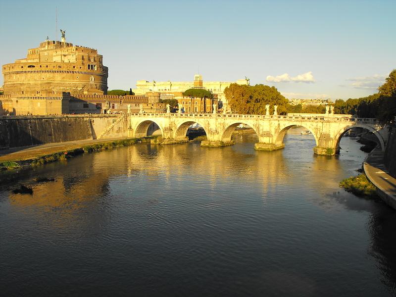 Вид на Тибр и замок св. Ангела