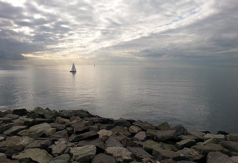 Зимнее море Генуи