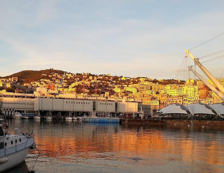 Genova Porto antico. Bigo