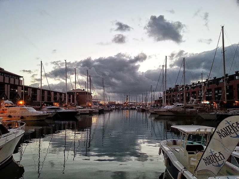 Genova, Porto antico. Sera
