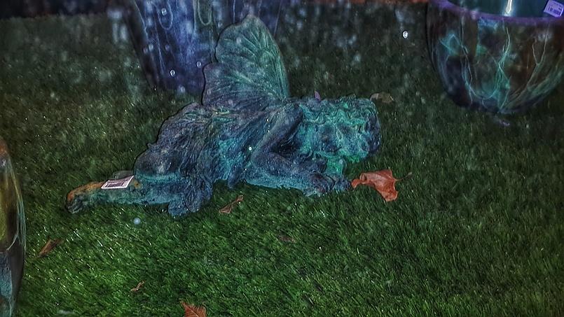 Маленькая  фея из стекла может поселиться и в вашем саду