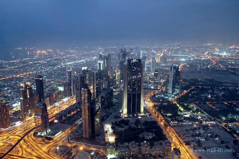 Дубай. Вид с небоскрёба Burj Khalifa - самого высокого здания в мире 828 м