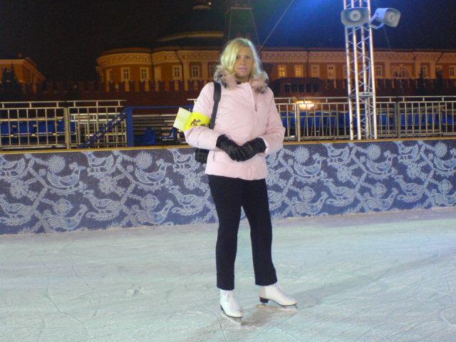 Я на катке на Красной площади
