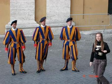 Стой, кто идет ? Ватиканская гвардия