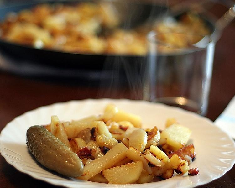 Pommes de terre au bacon et oignons