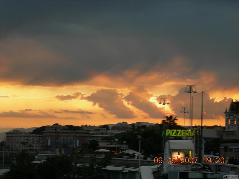 Закат в Генуе
