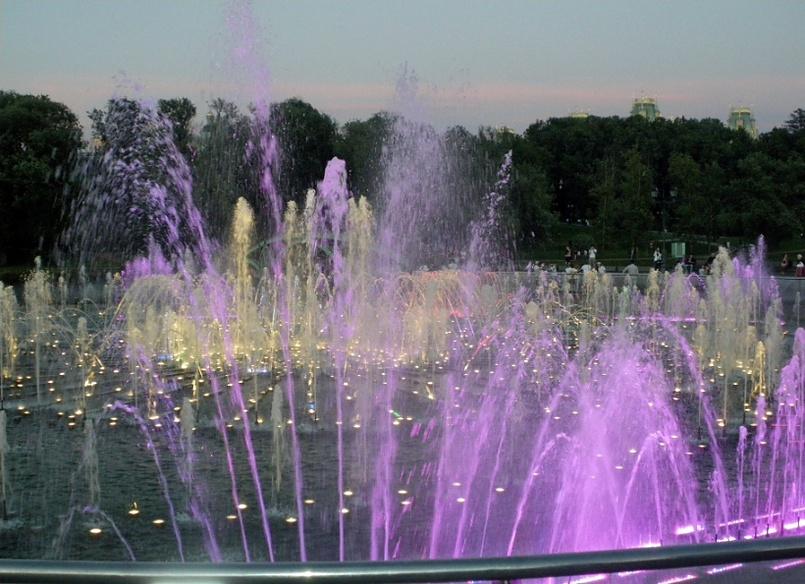 Светомузыкальный фонтан в Царицыно