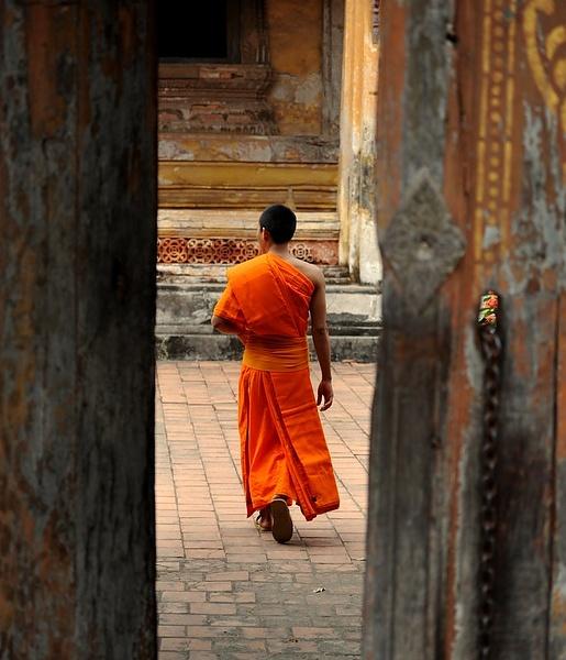 Монах буддист