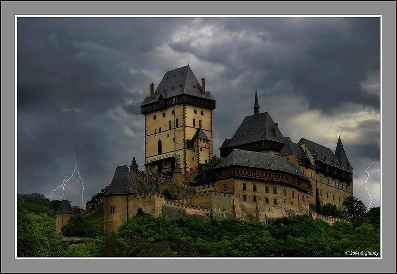 """Замок """"Карлштейн""""."""