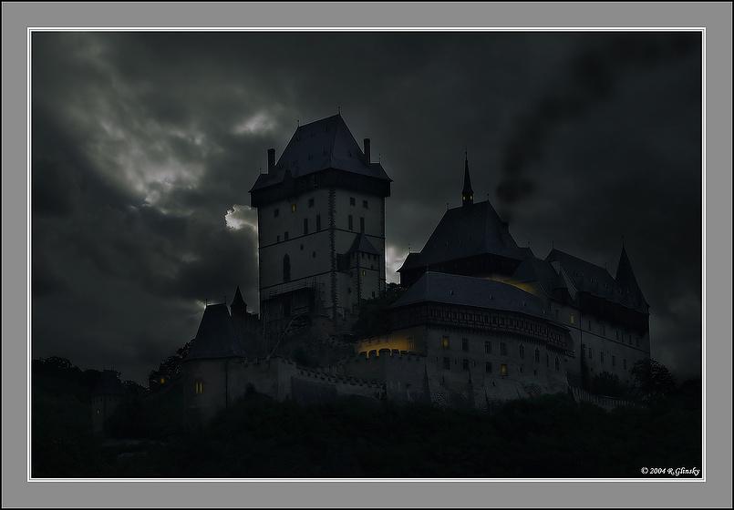 """Замок """"Карлштейн"""". Ночь."""