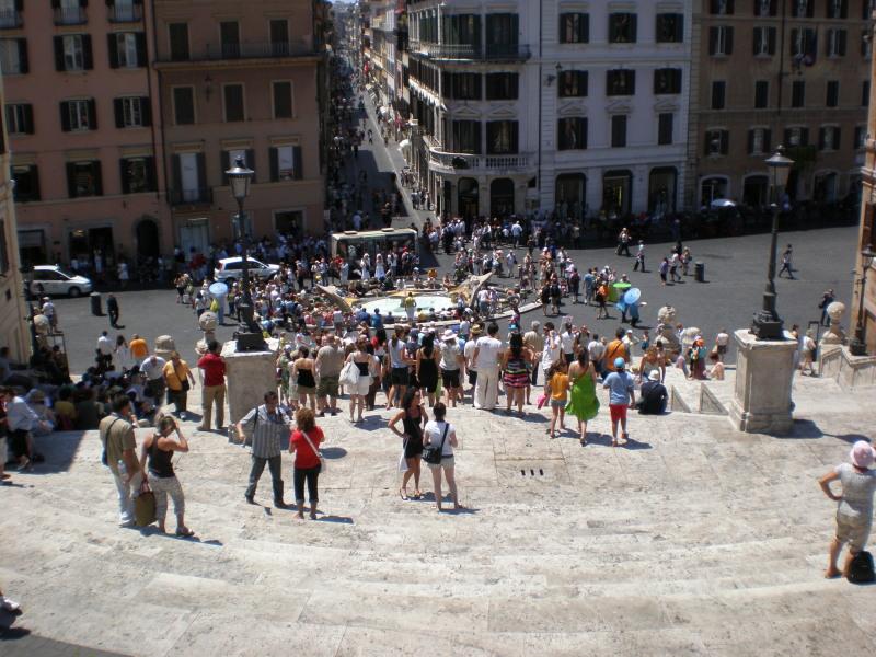 Испанская площадь и Испанская лестница.